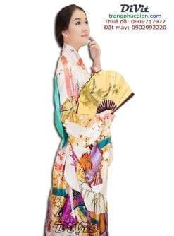 trang-phuc-kimono-hoa-tiet-co-gai