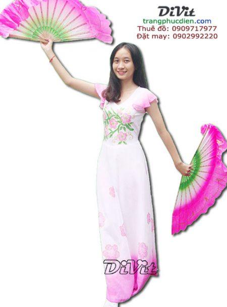 Trang-phuc-dam-mua-quat