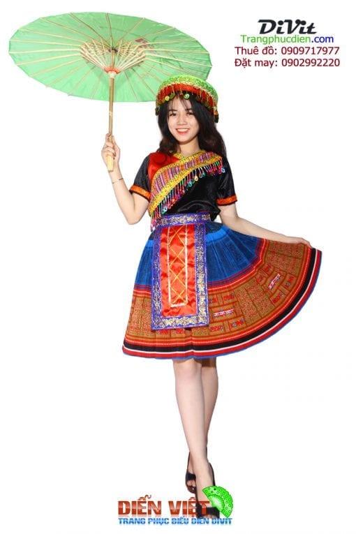 trang-phuc-dan-toc-hmong-tho-cam