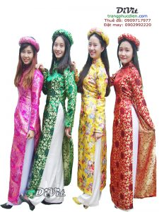 ao-dai-truyen-thong-vai-gam-2