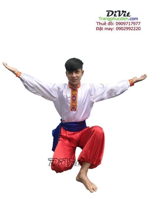 trang-phuc-nuoc-nga-nam