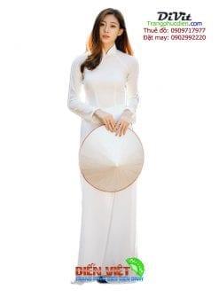 Thuê áo dài lụa trắng trơn