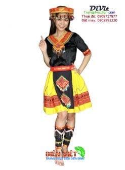 thue-trang-phuc-hmong-meo-mua